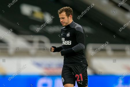 Ryan Fraser #21 of Newcastle United during the pre-game warmup