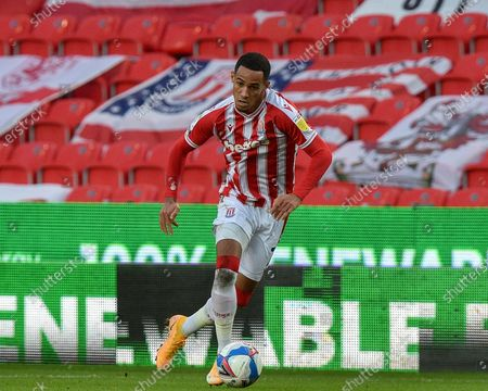 Thomas Ince #7 of Stoke City in action during the game