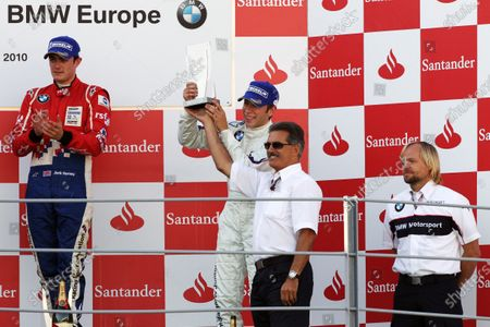 (L to R): Race winner Jack Harvey (GBR) Fortec Motorsports applauds champion Robin Frijns (NED) Josef Kaufmann Racing, who finished third and receives the trophy from Dr Mario Theissen (GER) BMW. Formula BMW Europe, Rds 12 & 13, Monza, Italy, 10-12 September 2010.