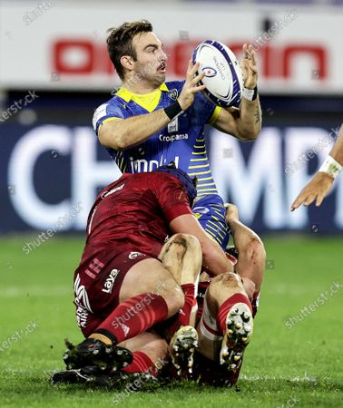 Clermont Auvergne vs Munster. Clermont Auvergne's Jean-Pascal Barraque with Gavin Coombes and Josh Wycherley of Munster