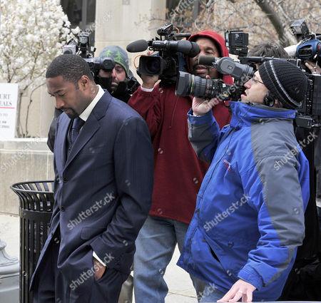 Gilbert Arenas leaving court