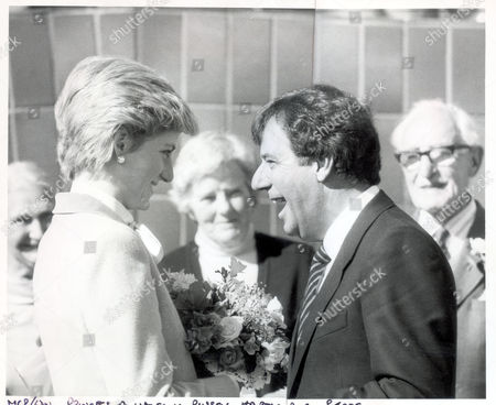 Princess Of Wales - September 1986 Tv Chat Show Host Russell Harty Hitched A Lift With The Princess Of Wales Yesterday On An Aircraft Of The Queen's Flight. The Princess Invited Harty Aboard Her Helicopter And Then Her Plane On The Trip From Yorkshire To London After Meeting Him During A Visit To A Hospital At Gigleswick North Yorkshire The Entertainer's Home Village. He Had Asked Her To Look At The Area When He Was Introduced To Her At A Charity Function Some Months Ago. He Said Later 'it Was A Marvellous Flight.'...royalty