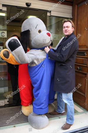 Phillip Glenister threatening Sweep