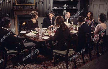 Robert Culp, James Villers, Richard Vernon, Diana Rigg, Ann Firbank, Jean Marsh