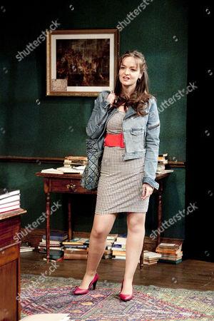 Laura Dos Santos (Rita)