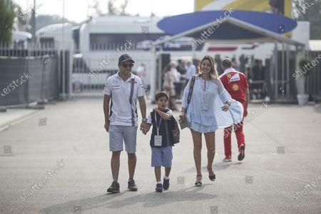 Felipe Massa (BRA) Williams with his wife Rafaela Bassi (BRA) and son Felipinho Massa (BRA) at Formula One World Championship, Rd14, Italian Grand Prix, Qualifying, Monza, Italy, Saturday 3 September 2016.