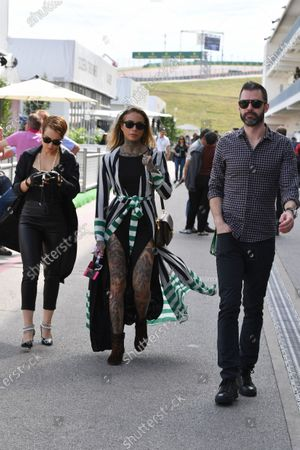 Noomi Rapace (SWE) Actress and Cleo Wattenstrom (SWE) Tattoo Artist and Modelat Formula One World Championship, Rd18, United States Grand Prix, Race, Circuit of the Americas, Austin, Texas, USA, Sunday 23 October 2016.