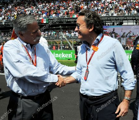Chase Carey (USA) Vice Chairman of 21st Century Fox Media and Chairman of the Formula One Group and Alejandro Agag (ESP) CEO Formula E  on the grid at Formula One World Championship, Rd19, Mexican Grand Prix, Race, Circuit Hermanos Rodriguez, Mexico City, Mexico, Sunday 30 October 2016.