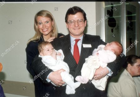 Stock Picture of Anneka Rice - Television Presenter - 1990 Anneka Rice Launches Book Dr. Anthony Kenny And Tv Presenter Anneka Rice At St. Thomas's.... Picture Desk ** Pkt4393-316018