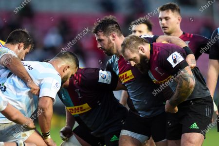 Scott Baldwin of Harlequins packs down with his forwards at a scrum