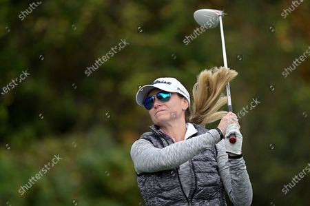 Jackie Langer John, daughter of golfer Bernhard Langer, tees off on the first hole during the final round of the PNC Championship golf tournament, in Orlando, Fla