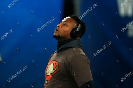 Cleveland Browns linebacker Tae Davis (55) warms up before an NFL football game against the New York Giants, in East Rutherford, N.J