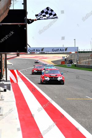 James Nash (GBR) Lukoil Craft-Bamboo Racing SEAT Leon TCR takes the chequered flag at TCR International Series, Race Two, Bahrain International Circuit, Sakhir, Bahrain, 16 April 2017.