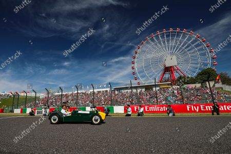 Jolyon Palmer (GBR) Renault Sport F1 Team on the drivers parade at Formula One World Championship, Rd16, Japanese Grand Prix, Race, Suzuka, Japan, Sunday 8 October 2017.