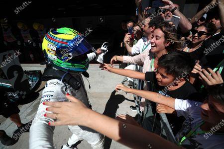 Felipe Massa (BRA) Williams FW40 celebrates his last Brazilian Grand Prix in parc ferme  with his wife Rafaela Bassi (BRA) and son Felipinho Massa (BRA) at Formula One World Championship, Rd19, Brazilian Grand Prix, Race, Interlagos, Sao Paulo, Brazil, Sunday 12 November 2017.
