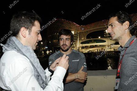 Carlos Rodriguez Santiago (ESP) Gamer & Founder of G2 Esports with Fernando Alonso (ESP) McLaren and Pedro De La Rosa (ESP) at Formula One World Championship, Rd20, Abu Dhabi Grand Prix, Preparations, Yas Marina Circuit, Abu Dhabi, UAE, Thursday 23 November 2017.