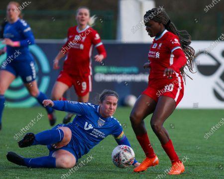 Sarah Wilson (#5 Durham) challenges Rinsola Babajide (#10 Liverpool)