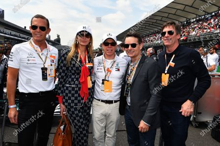 Daniel Grieder, Tommy Hilfiger CEO, Jeff Gordon,  Tommy Hilfiger and Dee Hilfiger on the grid