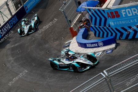 Mitch Evans (NZL), Panasonic Jaguar Racing, Jaguar I-Type 3, leads Nelson Piquet Jr. (BRA), Panasonic Jaguar Racing, Jaguar I-Type 3