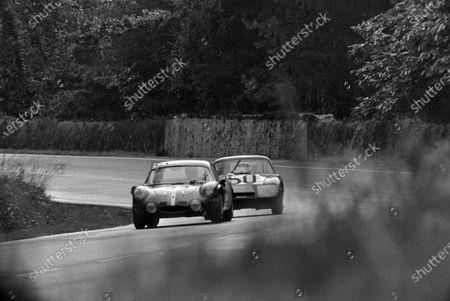 Christian Ethuin / Bob Wollek, Trophèe Le Mans, Alpine A210 - Renault R8 Gordini, leads Roger Enever / Alec Poole, Donald Healey Motor Co, Austin-Healey Sprite - BMC A-series.