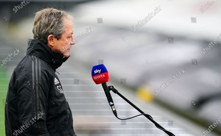 Fulham coach Stuart Gray chats to Sky Sports before kick off