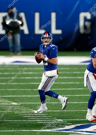 New York Giants quarterback Colt McCoy (12) in action during an NFL football game against the Cleveland Browns, in East Rutherford, N.J