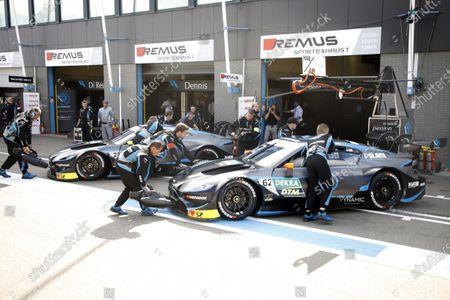 Ferdinand Habsburg, R-Motorsport, Aston Martin Vantage AMR, Daniel Juncadella, R-Motorsport, Aston Martin Vantage AMR.