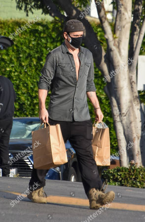 Colin Farrell is seen grocery shopping