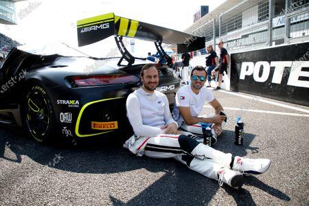 #44 Mercedes-AMG Team Strakka Racing Mercedes-AMG GT3: Gary Paffett, Tristan Vautier.