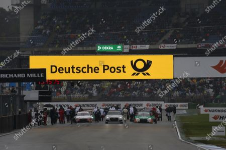 Red flag after the fire of Daniel Juncadella, R-Motorsport, Aston Martin Vantage AMR.