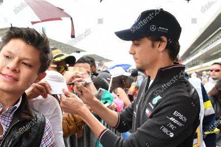 Esteban Gutierrez, Mercedes AMG F1 signs an autograph for a fan