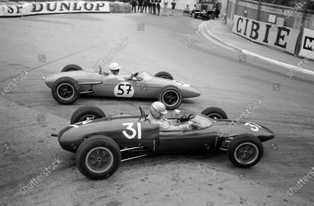 Rodney Bloor, Sports Motors Manchester, Brabham BT9 Ford, battles Franz Muller, Lotus 31 Ford.