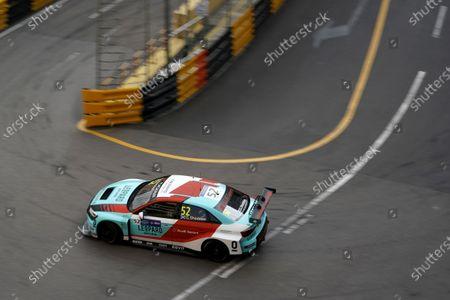 Gordon Shedden, Leopard Racing Team Audi Sport Audi RS 3 LMS.