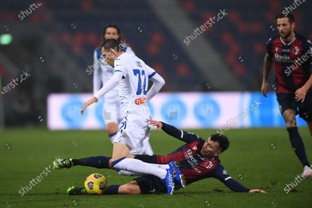 "Josip Ilicic (Atalanta)Gary Medel (Bologna)        during the Italian  Serie A"" match between Bologna 2-2 Atalanta at  Renato Dall Ara Stadium on December 23 , 2020 in Bologna, Italy."