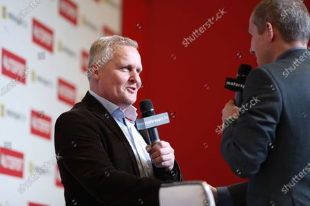 Johnny Herbert on the Autosport stage with presenter Stuart Codling