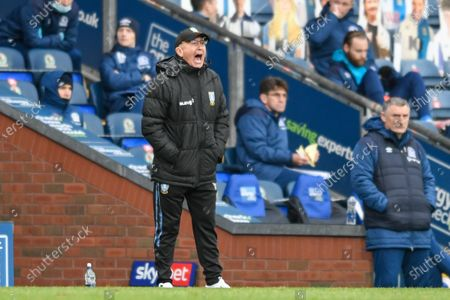 Tony Pulis manager of Sheffield Wednesday gives instructions during the game