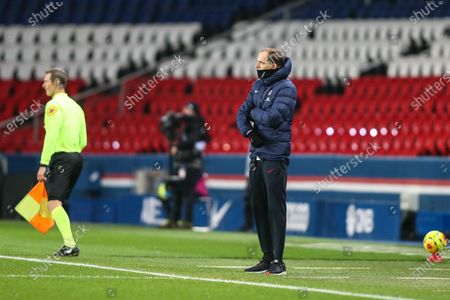 PSG's German head coach Thomas Tuchel observes the players