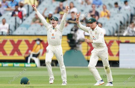 Steven Smith (L) of Australia appeals after taking a catch to dismiss Hanuma Vihari of India during day two of the second Test Match between Australia and India at The MCG, Melbourne, Australia, 27 December 2020.