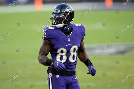 Baltimore Ravens wide receiver Dez Bryant (88) lines up during the second half of an NFL football game against the New York Giants, in Baltimore