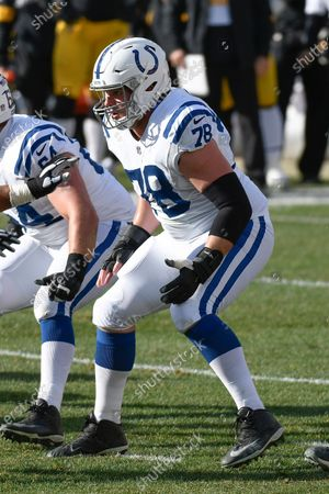 Indianapolis Colts center Ryan Kelly (78) plays in an NFL football game against the Pittsburgh Steelers, in Pittsburgh