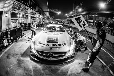 Pit stop for #18 Preci - Spark Mercedes SLS AMG GT3: David Jones, Godfrey Jones, Philip Jones, Gareth Jones, Morgan Jones