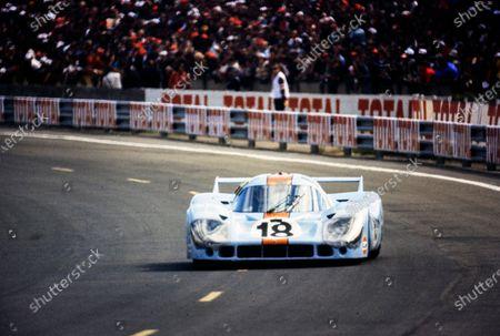 Pedro Rodriguez / Jackie Oliver, John Wyer Automotive Engineering, Porsche 917 LH.