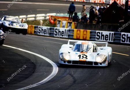 Stock Photo of Pedro Rodriguez / Jackie Oliver, John Wyer Automotive Engineering, Porsche 917 LH.