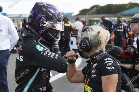 Winner Lewis Hamilton, Mercedes-AMG Petronas F1, celebrates with his Angela Cullen in parc ferme