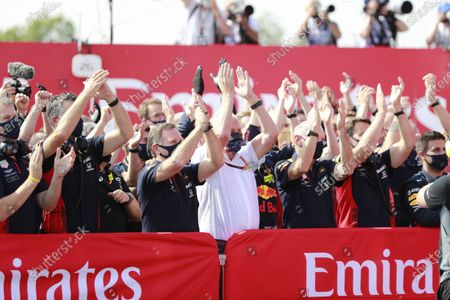 Christian Horner, Team Principal, Red Bull Racing, Helmut Marko, Consultant, Red Bull Racing, Adrian Newey, Chief Technical Officer, Red Bull Racing, and the Red Bull team celebrate victory for Max Verstappen, Red Bull Racing