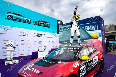 Simon Evans (NZL), Team Asia New Zealand, 2nd position, and is Jaguar I-Pace eTrophy champion