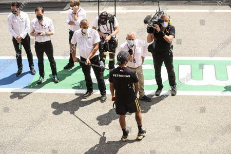 Johnny Herbert, Sky TV, interviews Lewis Hamilton, Mercedes-AMG Petronas F1