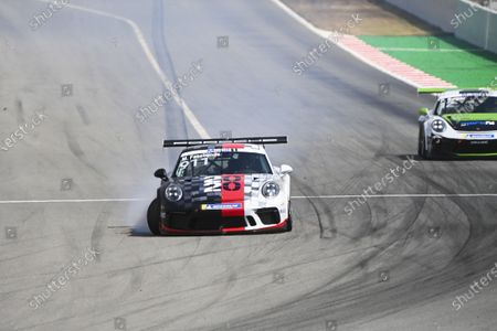 Michael Fassbender (IRE, Porsche Motorsport), comes to a halt with damage