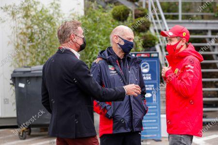 Presenter David Coulthard with Adrian Newey, Chief Technical Officer, Red Bull Racing, and Sebastian Vettel, Ferrari