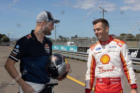 Shane van Gisbergen, Triple Eight Race Engineering Holden, Scott McLaughlin, DJR Team Penske Ford